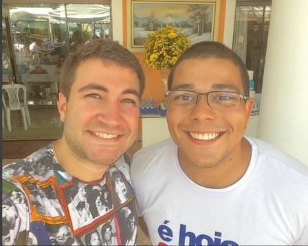 Louis Carlos à direita no dia do aniversário do pai