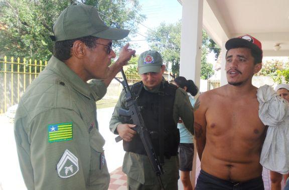 Polícia apreende menor e prende homem suspeitos de assalto no Piauí