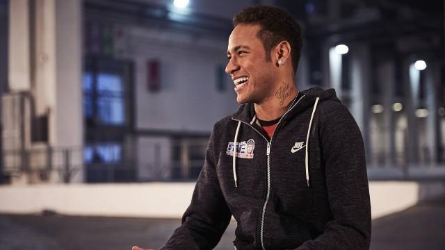 Neymar está completando neste domingo 25 anos