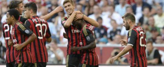 Milan sai de campo vaiado após terceira derrota seguida