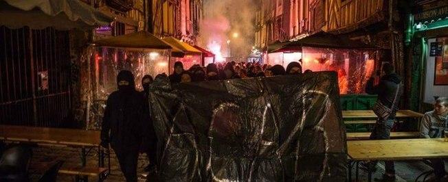 Homem é estuprado por policiais com um cassetete na França