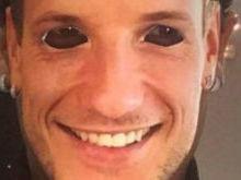 Neymar vai ao aniversário de Rakitic e usa a máscara com rosto dele