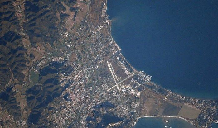 Aeroporto de Toulon Hyeres, na França