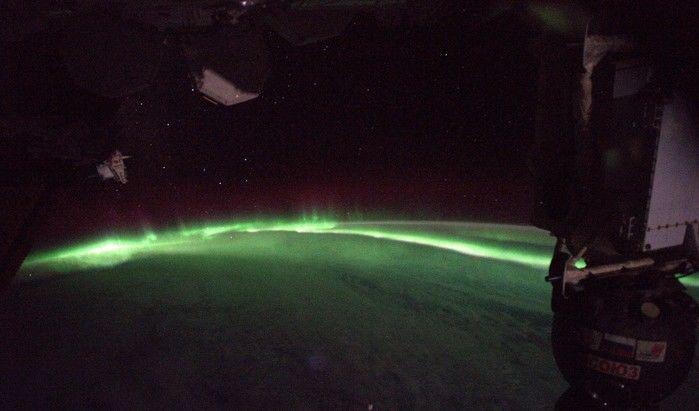 Nesta imagem, o astronauta disse que ficou resguardado em sua nave por dois dias, mas se surpreendeu ao olhar para fora