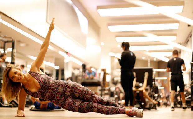 Sheila Mello mostra seu treino em academia (Crédito: Ego)