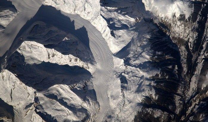 Geleiras dos Alpes, fotografadas neste domingo (12); Pesquet chama a atenção para indícios de degelo