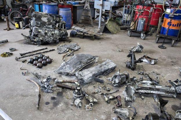 Especialistas de um museu dinamarquês estão analisando as peças encontradas para saber mais detalhes do que ocorreu com o avião nazista (Crédito: Reuters)