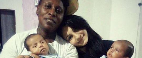 Mulher de Pepê posta fotos com os filhos e se declara para cantora