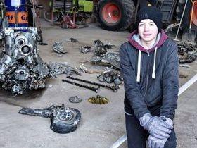 Lição de casa faz menino encontrar restos de avião da 2ª Guerra