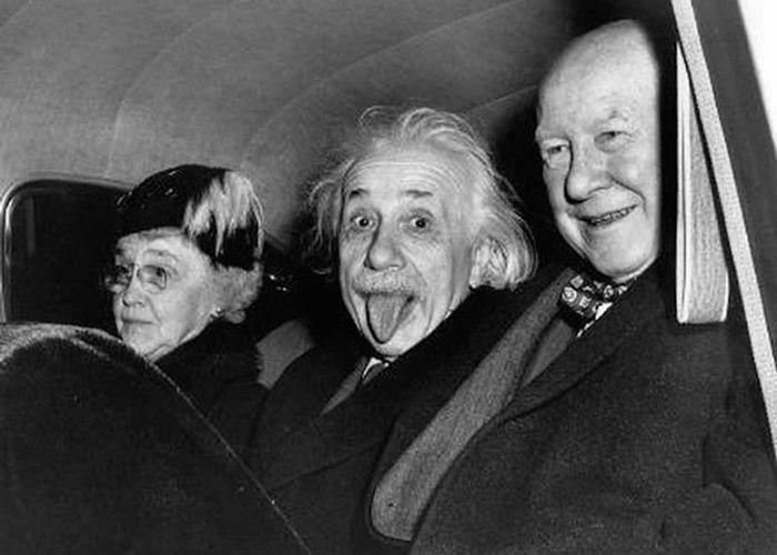 A imagem original foi clicada dentro de um carro com a presença do diretor do Institute for Advanced Study e sua esposa, além de Einstein
