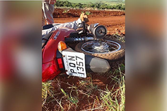 Vítima foi atingida enquanto pilotava moto (Crédito: Reprodução)