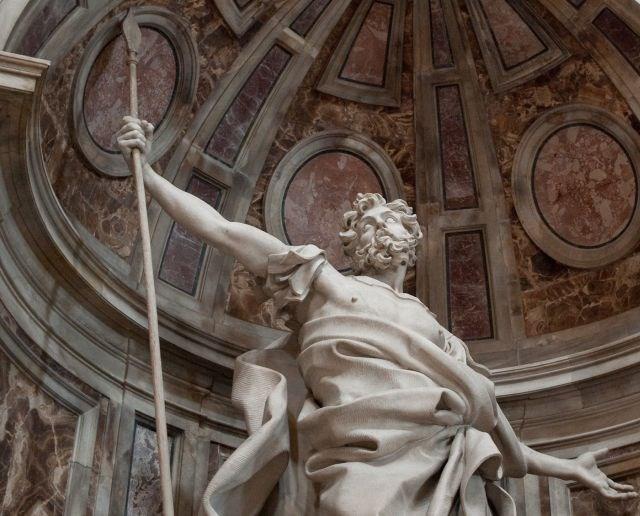 Estátua de São Longuinho na basílica de São Pedro (Crédito: Reprodução)