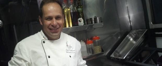 Ex-Polegar coloca food truck à venda após dívidas de R$ 160 mil