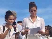 Bruna Marquezine participa de evento com crianças refugiadas no Rio