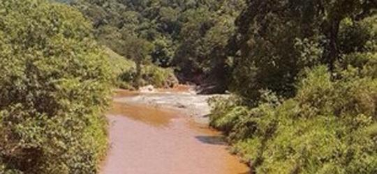 Vazamento de rejeitos da Vale atinge rios da região de Minas