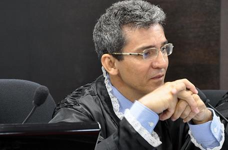 Desembargador Arnaldo Boson Paes
