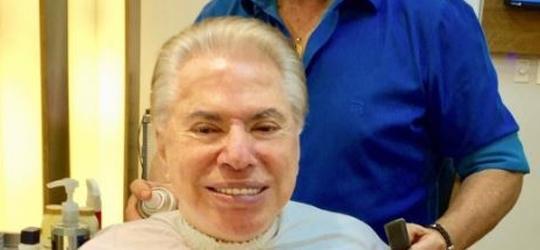 Silvio Santos muda visual e assume os cabelos grisalhos