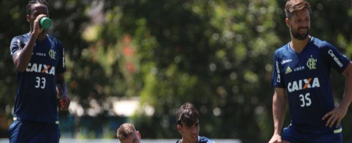 Flamengo muda o foco para encarar o Resende neste sábado