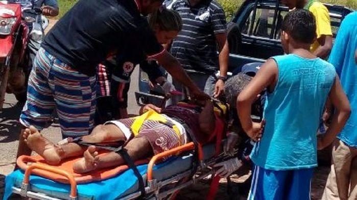 Homem com sinais de embriaguez fica gravemente ferido em acidente