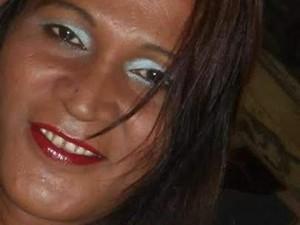 Travesti identificada apenas como 'Paulete'