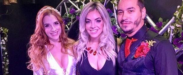 Ex-BBB Clara Aguilar se casa com produtor em Las Vegas