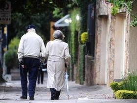 Homens têm aumento na expectativa de vida, mas mulheres vivem mais