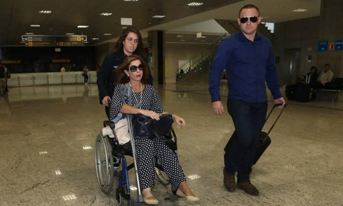Claudia Cruz no Aeroporto de Curitiba