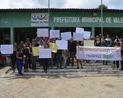Servidores fazem manifestação contra previdência propria
