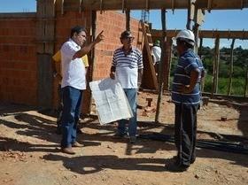 Marcos visita obras de nova creche do Morro do Frei