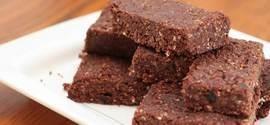Polícia prende jovens vendendo brownie de maconha