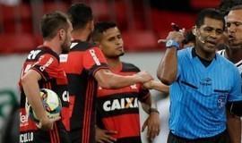 Dirigente do Flamengo debocha da decisão de afastar árbitro
