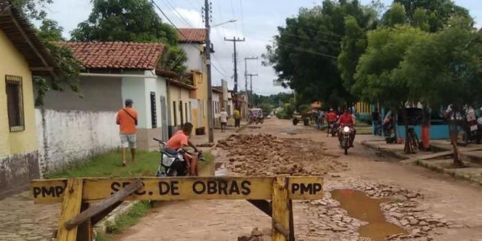 Prefeitura inicia operação tapa-buraco nas ruas de Porto