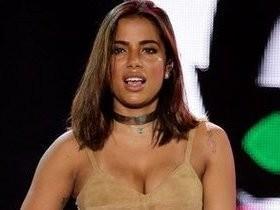 Anitta veta fotos e vídeos em sua festa de aniversário