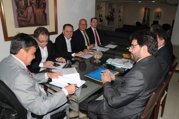 Governador recebe equipe econômica para reunião de trabalho (Crédito: Francisco Gilásio)