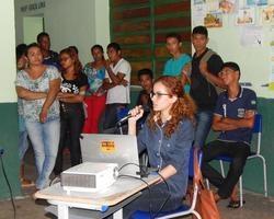 Psicóloga do NASF ministra palestra sobre suicídio para alunos
