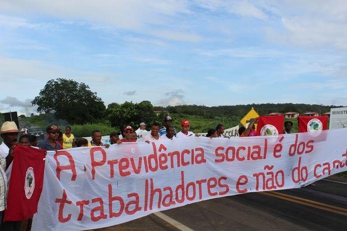 Manifestantes Bloqueiam BR 230, na Altura da Comunidade dos Potes - Imagem 10