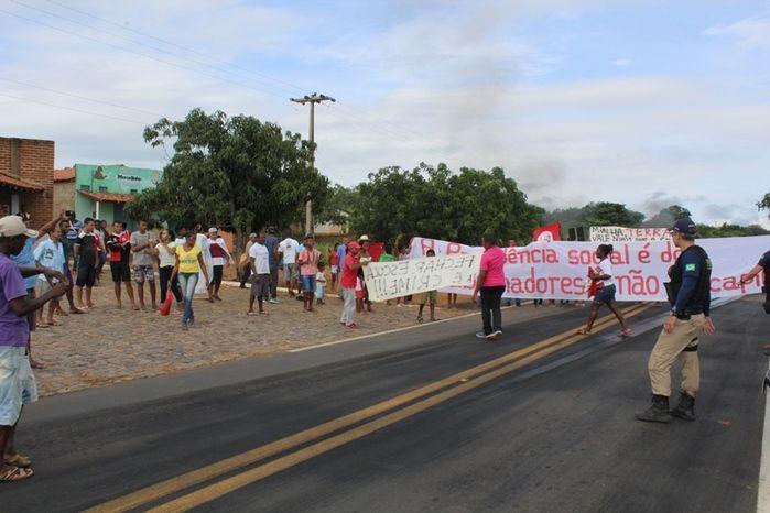 Manifestação contra reformas do governo Federal que tira direito dos trabalhadores (Crédito: José Carlos da Silva)