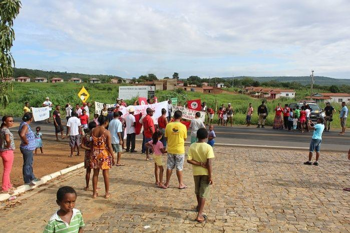 Manifestantes Bloqueiam BR 230, na Altura da Comunidade dos Potes - Imagem 12