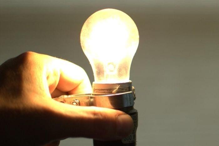 Aumento será de R$ 3,00 a cada 100 kilowatts-hora (Crédito: Reprodução)