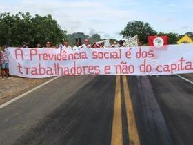 Manifestantes Bloqueiam BR 230, na Altura da Comunidade dos Potes