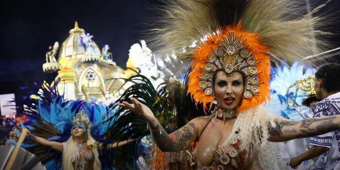 Desfile das escolas campeãs de São Paulo