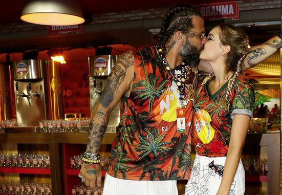 Henri Castelo e a mulher Mafe Saad