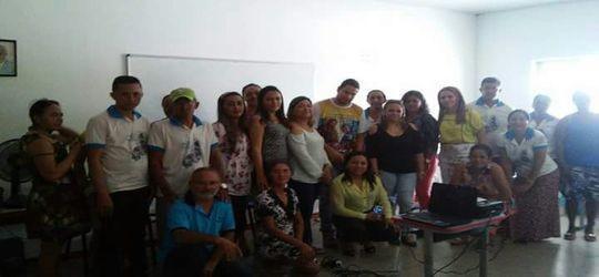 Agentes de saúde recebem 14º salario em Pimenteiras
