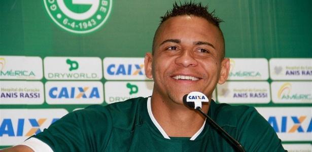 Walter tem contrato rescindido e não joga mais no Goiás