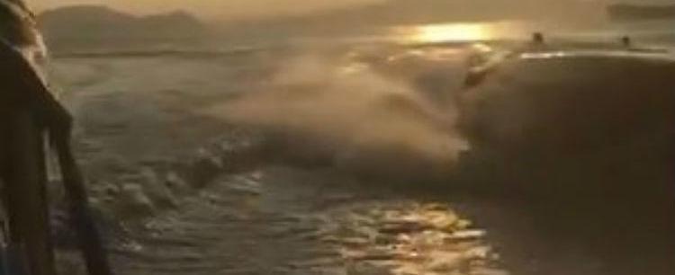 Piloto acelera e joga lancha contra outra embarcação em SP; assista