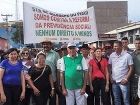 Agricultores participa de mobilização contra reforma da previdência