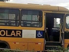 Criança é esquecida dentro de transporte escolar em SJD