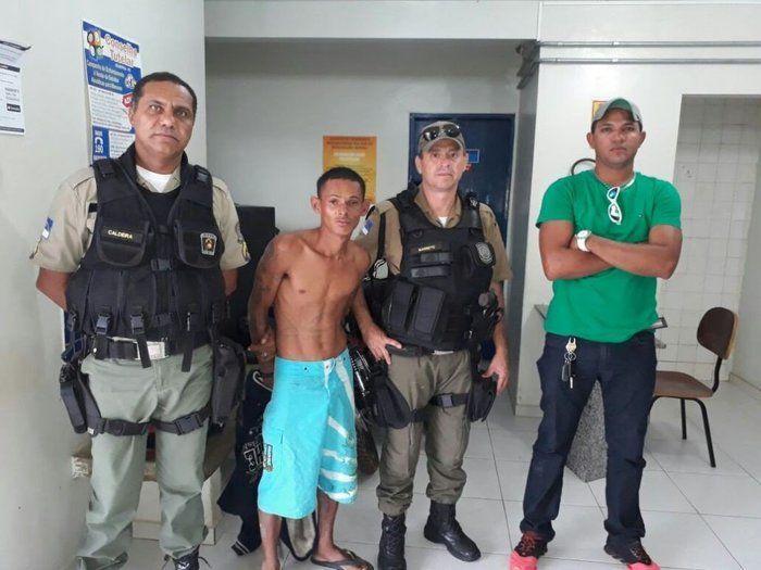 Iderlando da Silva Santos já tinha sido preso por roubo e tráfico (Crédito: Reprodução/PM)