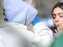 Lourdes Maria, filha de Madonna, fuma 'ciagarrinho suspeito'