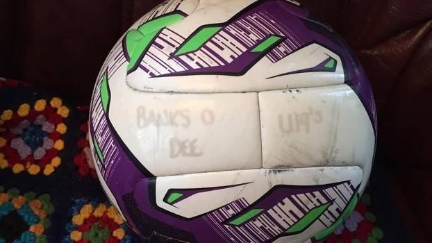 Bola perdida do Banks o'Dee FC (Crédito: Reprodução)